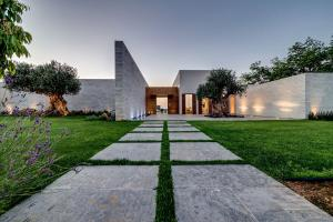 modern-villa-landscape